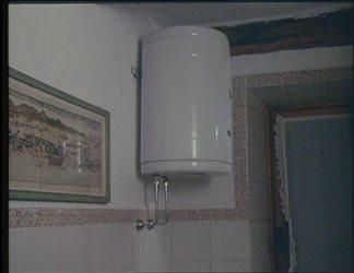 """Campagna """"Risparmiare energia elettrica si può"""" - spot Bonaccorti scaldabagno"""